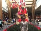 Lucy Alves aposta em visual com brilho no Grammy Latino, em Vegas