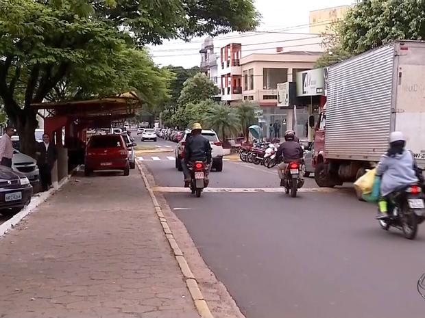 População de Naviraí está assustada com as mortes por H1N1 (Foto: Reprodução/TV Morena)
