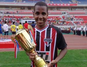 Ty é escolhido o melhor jogador da competição (Foto: Divulgação/saopaulofc.net)