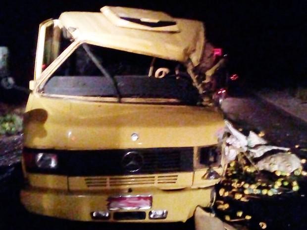 Motorista de carreta morreu no acidente (Foto: Divulgação/PRF)