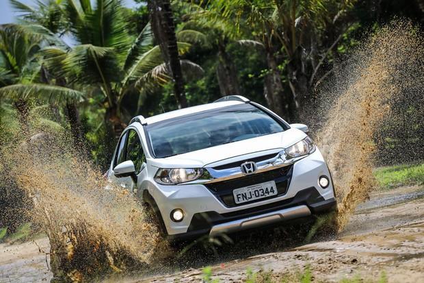 Pneus para asfalto não fazem do WR-V um aventureiro com gosto por terra (Foto: Caio Matos/Divulgação)