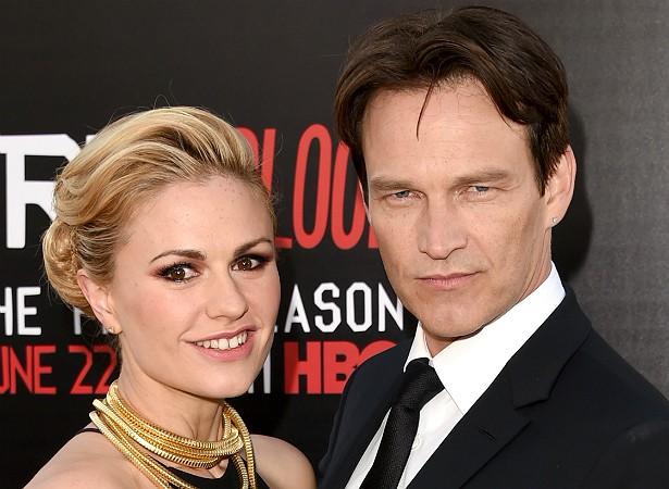 O casal protagonista de 'True Blood' (2008–2014), Anna Paquin e Stephen Moyer, teve os gêmeos Poppy e Charlie em setembro de 2012. (Foto: Getty Images)