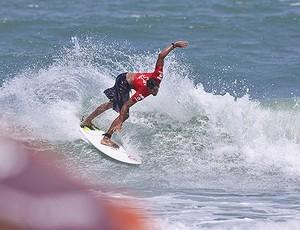Eduardo Maia vence na primeira etapa do Circuito Metropolitano de Surfe (Foto: Munir El Hage / Divulgação)
