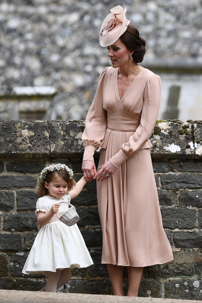 Kate Middleton e Charlotte após a cerimônia (Foto: Getty Images)
