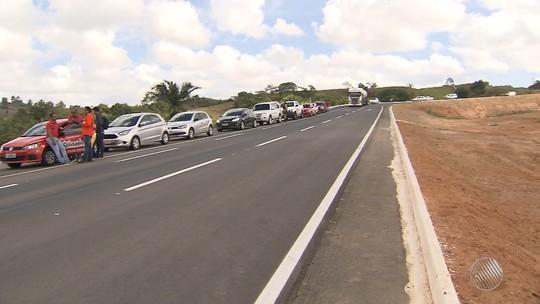 Anel viário da cidade de Candeias, que liga as BAs 522 e 523, é entregue