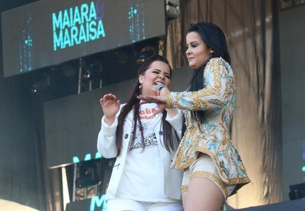 A dupla Maiara e Maraísa no Festeja Niterói (Foto: Marcello Sá Barretto e Daniel Pinheiro/AgNews)
