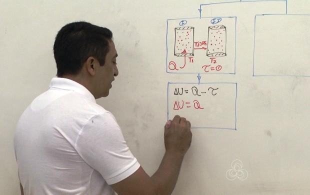 Professores dão aulas dias antes da prova (Foto: Roraima TV)