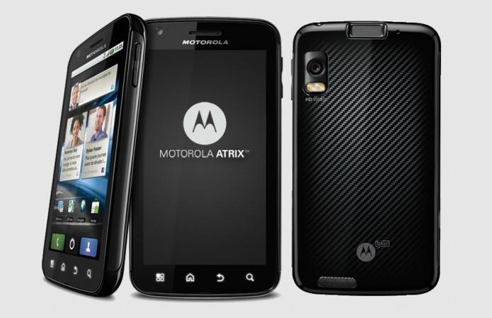 Motorola Atrix foi primeiro equipado com leitor de digitais (Foto: Divulgação/Motorola)