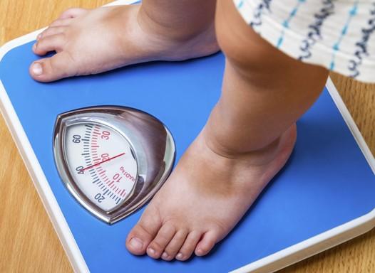Obesidade pode estar ligada à forma como a mãe enxerga a criança