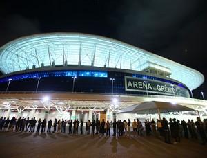 Torcedores esperando para entrar na Arena contra o Flu (Foto: Lucas Uebel/Divulgação/Grêmio)