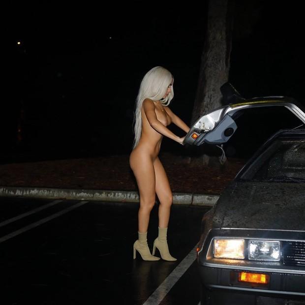 Julissa Neal na campanha da Yeezy Season 6 (Foto: Reprodução/Instagra,)