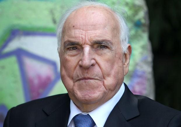 O ex-chanceler alemão Helmut Kohl, artífice da Reunificação, em foto de 16 de maio (Foto: Daniel Roland/AFP)