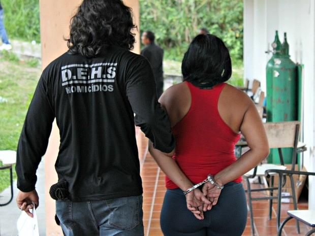 Em Manaus filha mata mãe com 109 facadas