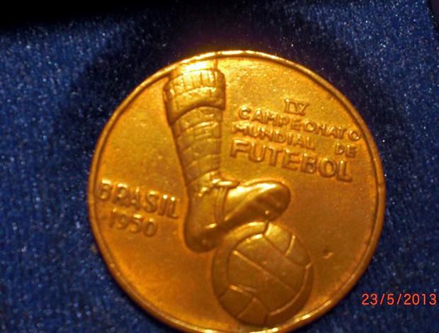 Medalha comemorativa a Copa do Mundo de 1950, no Brasil #RN (Foto: Arquivo Pessoal)