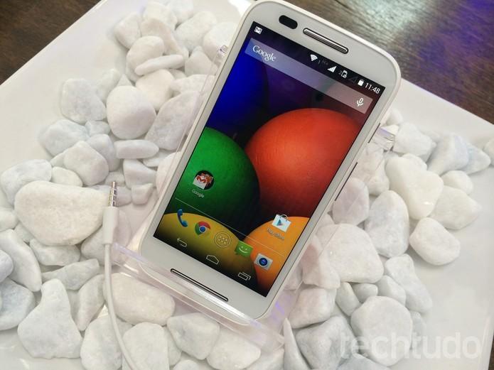 Moto E é o novo aparelho de entrada da Motorola com Android KitKat e processador dual-core (Foto: Allan Melo/TechTudo) (Foto: Moto E é o novo aparelho de entrada da Motorola com Android KitKat e processador dual-core (Foto: Allan Melo/TechTudo))