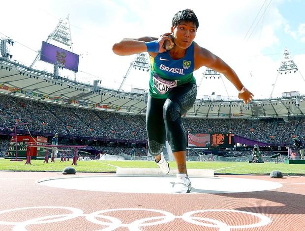 Geisa Arcanjo na prova de arremesso de peso  (Foto: Reuters)