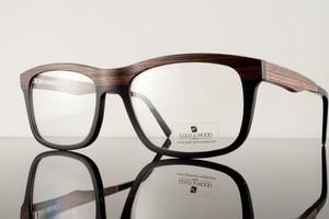83598241ce4f2 Óculos com armação de madeira da Gold   Wood. Eles custam, em média,