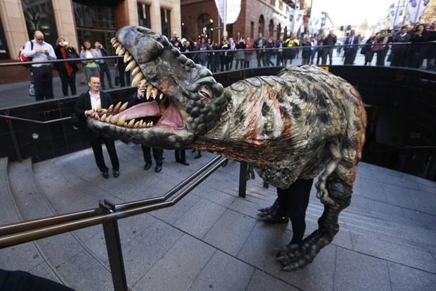 Objetivo era divulgar a próxima exposição no Museu Australiano chamada  'Tiranossauros - Conheça a Família' (Foto: Daniel Munoz/Reuters)