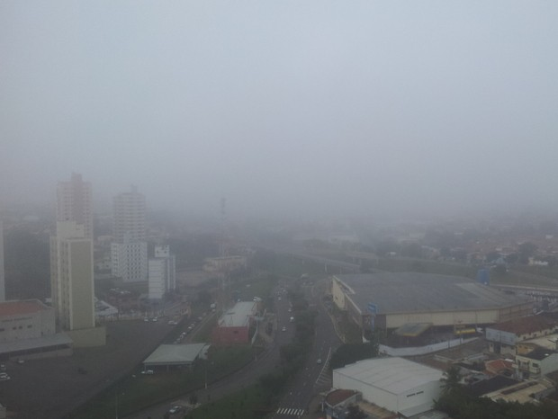Piracicaba registra 13 graus durante a madrugada e amanhece com neblina (Foto: Fernanda Zanetti/G1)