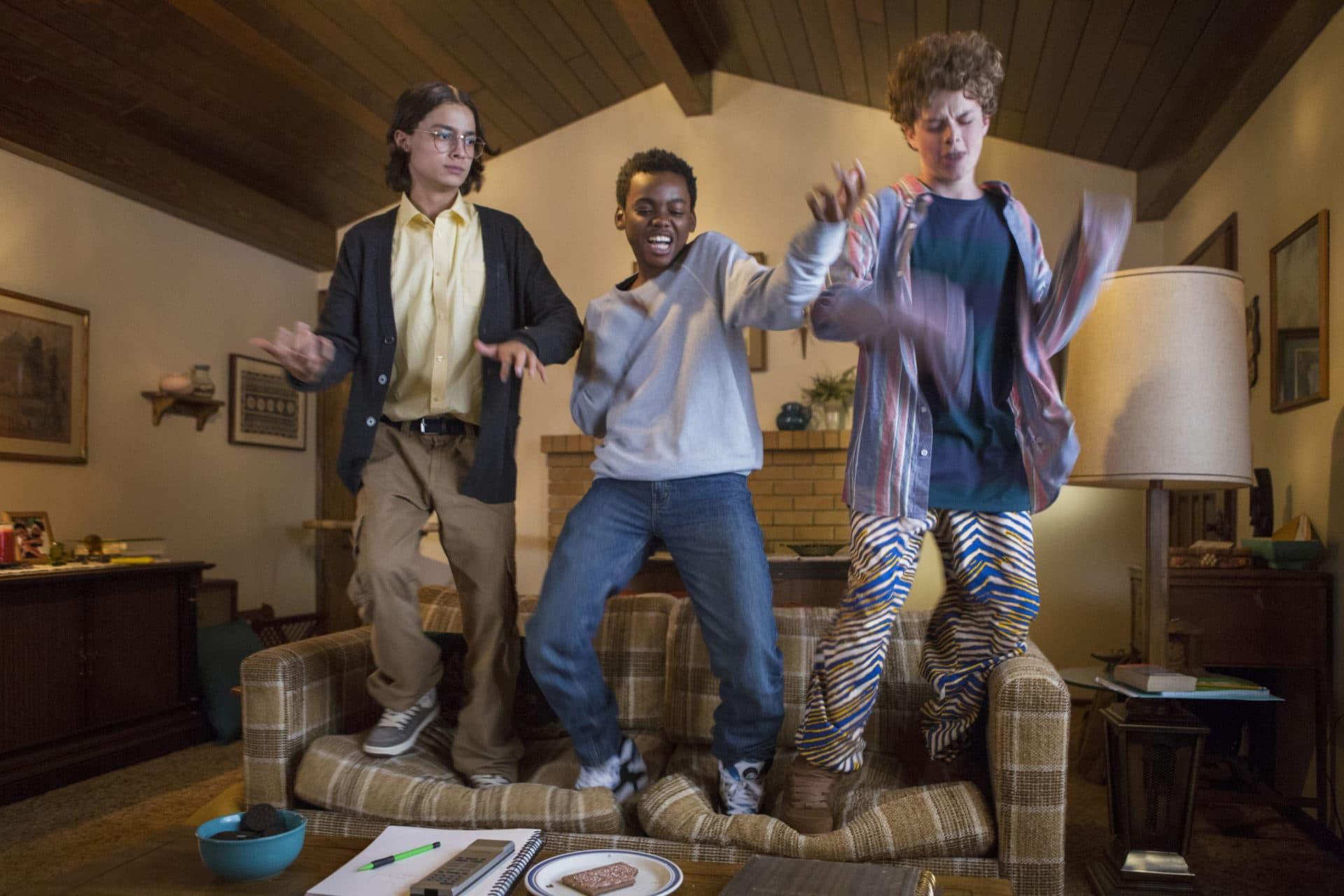Folia no sofá: confira as séries que estreiam na Netflix em fevereiro