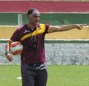 Oliveira Canindé cobra concetração total dos jogadores do Sampaio para o Superclássico (Foto: Sampaio/Divulgação)