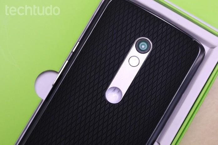 Moto X Play tem câmera de 21 MP (Foto: Nicolly Vimercate/TechTudo)