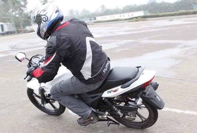 Dafra; Riva; 150; motocicleta; lançamento; urbana