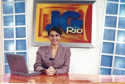 A jornalista e ex-funcionária Vanda Torres foi a primeira apresentadora do telejornal de meio dia, no qual ficou por 12 anos. (Foto: Arquivo Marketing/ TV Grande Rio)