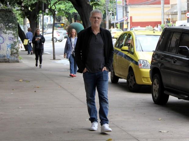 Pedro Bial indo votar (Foto: J.Humberto / AgNews)