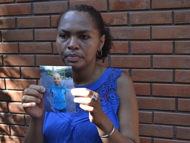 Mãe procura filho de 10 anos desaparecido há 2 anos no Espírito Santo (Foto: Juirana Nobres/G1)