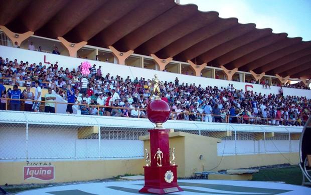 Decisão no Batistão vale taça Reinaldo Moura (Foto: João Áquila/GLOBOESPORTE.COM)