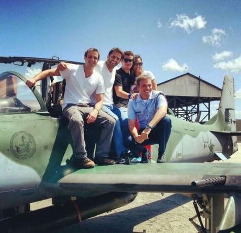 (Foto: T. Martins e Fercondini têm aulas de voo e curtem praia em Natal.Foto: Arquivo pessoal)