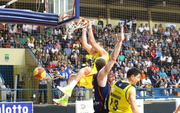 LSB x Bauru Basquete, pelo Campeonato Paulista (Foto: Gilson Hanashiro / Ag. Bom Dia)