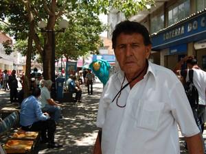 Paulo Loló é um dos personagens do Calçadão de Campina Grande (Foto: Diogo Almeida / G1)