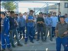 Operários protestam contra atraso de salários em Rio Grande, no RS