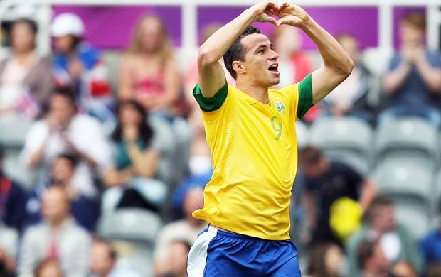 comemoração Leandro Damião, Brasil e Honduras, Futebol (Foto: Agência AP)