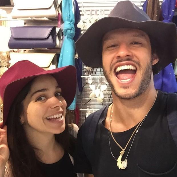 Sabrina Petraglia e Nando Rodrigues (Foto: Instagram / Reprodução)