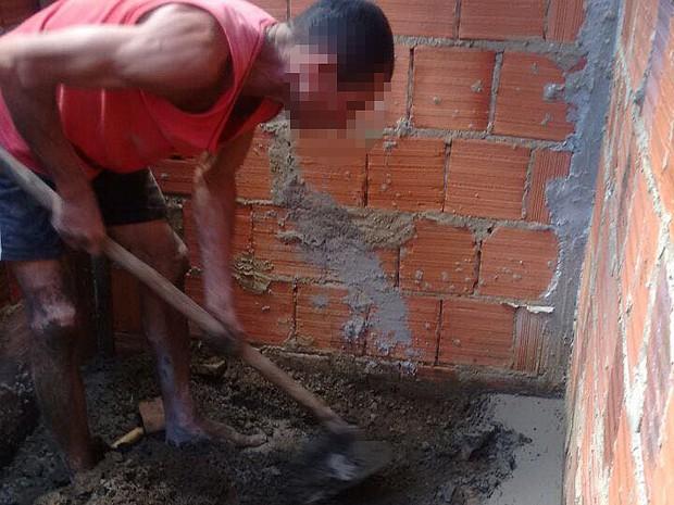 Homem matou mulher, enterrou em cova e fechou com concreto. Caso foi em Ilhéus, na Bahia (Foto: Polícia Civil/ Divulgação)