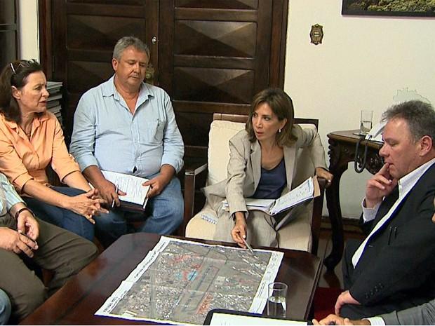 Prefeitura e Daesp se reuniram na manhã desta quarta-feira (30) (Foto: Paulo Souza/ EPTV)