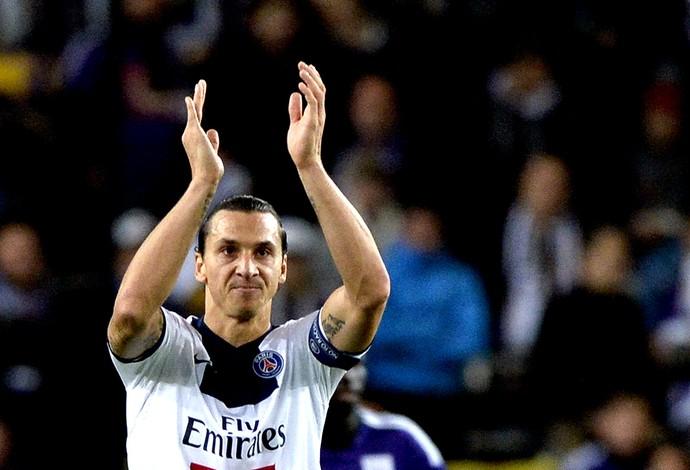 Ibrahimovic gol PSG contra o Anderlecht Liga dos Campeões (Foto: AFP)