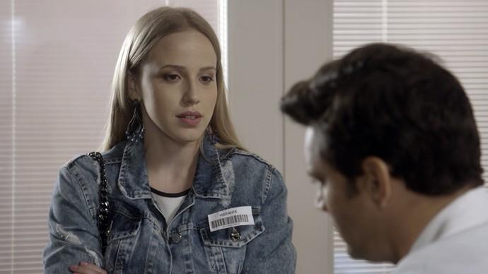 Jéssica diz para Bruno aceitar a bolsa de estudos (Foto: TV Globo)