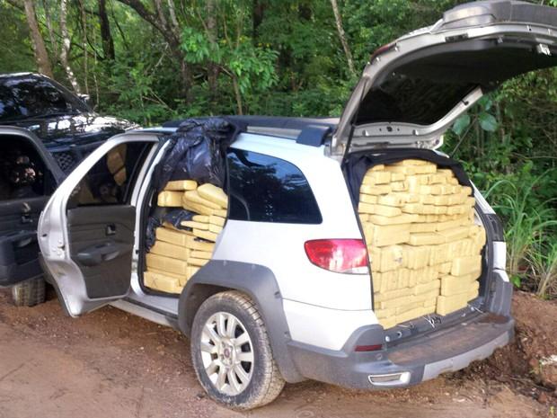Carro reforçado e modificado por quadrilha do Distrito Federal e do Entorno para transportar drogas (Foto: Polícia Civil/Divulgação)