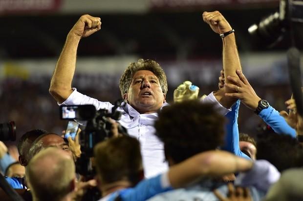 Renato Gaúcho conseguirá seu segundo Mundial pelo Grêmio? (Foto: Amilcar Orfali/Getty Images)