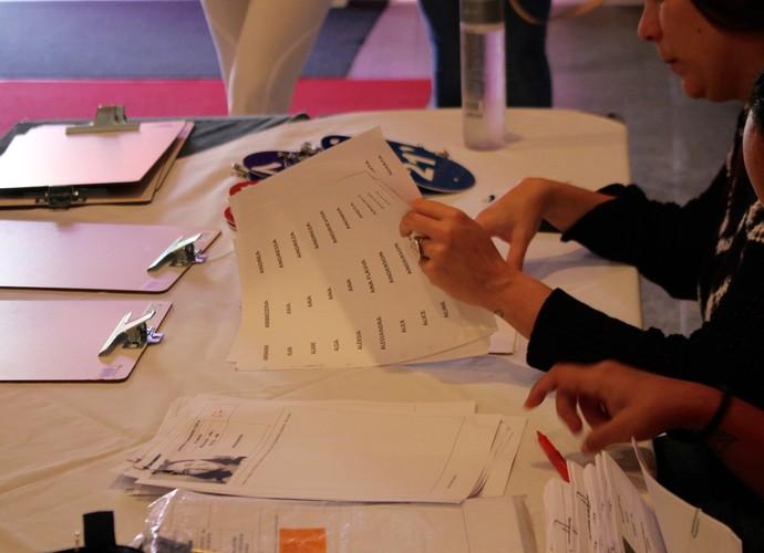 Produção do BBB analisa as inscrições e organiza o processo de entrevistas (Foto: Gshow)