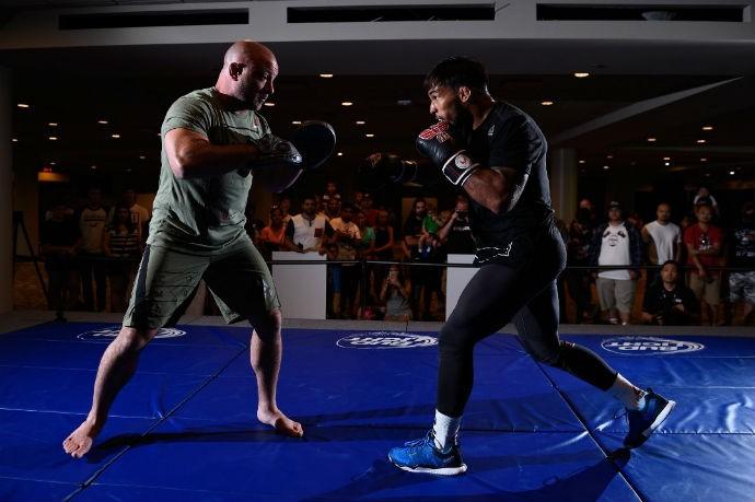 Dennis Bermudez Treino Aberto UFC: Rodríguez x Caceres