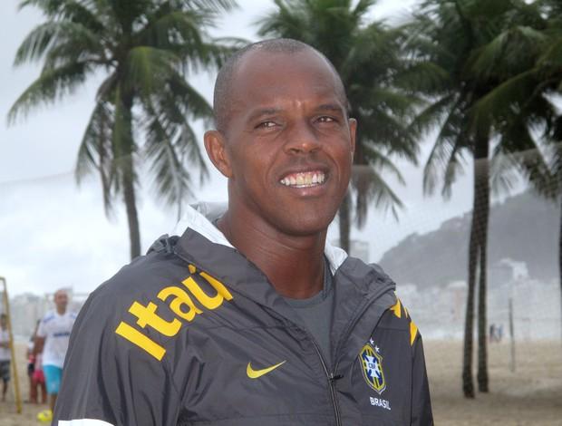 Júnior Negão técnico da seleção brasileira de futebol de areia (Foto: Ana Carolina Fontes)