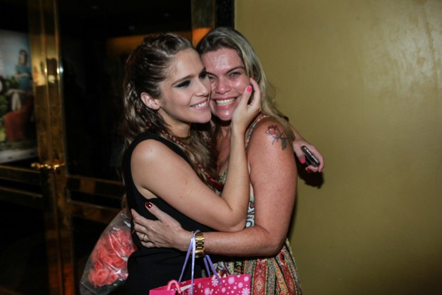 Isabella Santoni e a mãe, Ana Ribeiro (Foto: AgNews)