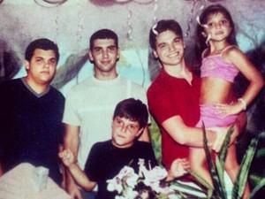 Emilio garante que não tinha ciúmes dos irmãos (Foto: Arquivo pessoal)