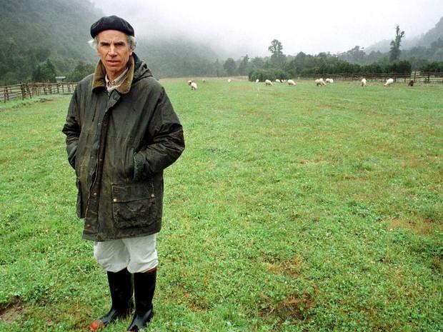 Foto de arquivo registrada em 2000 do bilionário Douglas Tompkins no Chile (Foto: Arquivo / Reuters)
