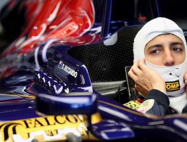 Com STR, Ricciardo é o mais rápido na parte da manhã (Foto: Getty Images)